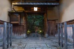 Traditionele Japanse die Villa in Japan, van hout wordt gemaakt Stock Afbeelding