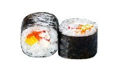 Traditionele Japanse keuken Nieuwe die sushibroodjes van rijst, cavi worden gemaakt Stock Foto