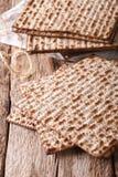Traditionele Joodse kosjer matzo voor Paschamacro op een lijst V Stock Fotografie
