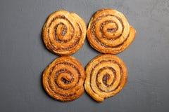 Traditionele kaneelbroodjes Royalty-vrije Stock Afbeeldingen