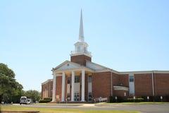 Traditionele kerk met torenspits Stock Afbeelding