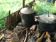 traditionele keuken die brandhout gebruiken als brandmacht royalty-vrije stock afbeelding