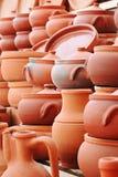 Traditionele kleibraadpan, pot en kruik van Turkije stock foto's