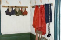 Traditionele kleurrijke Sami-kleren in Helsinki, Finland Royalty-vrije Stock Foto's