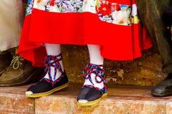 Traditionele kleurrijke schoenen voor volkskostuums in Spanje, danssho stock foto