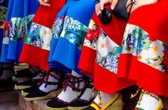Traditionele kleurrijke schoenen voor volkskostuums in Spanje, danssho stock afbeelding