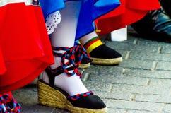 Traditionele kleurrijke schoenen voor volkskostuums in Spanje, danssho royalty-vrije stock afbeeldingen