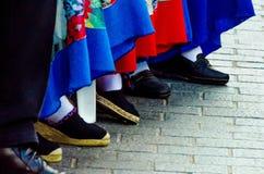 Traditionele kleurrijke schoenen voor volkskostuums in Spanje, danssho stock afbeeldingen