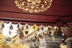 Traditionele klokken op Wat Phrathat Doi Suthep Royalty-vrije Stock Afbeelding