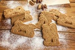 Traditionele Kruidige Kerstmiskoekjes Stock Fotografie