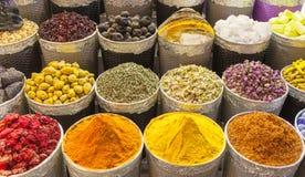 Traditionele kruidmarkt in Verenigde Arabische Emiraten, Doubai royalty-vrije stock afbeelding