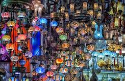 Traditionele lampen bij de Grote Bazaar in Istanboel Royalty-vrije Stock Fotografie