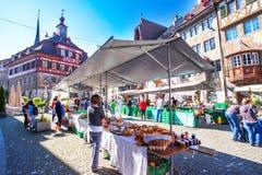 Traditionele markt in het oude stadscentrum van Stein am Rhein Royalty-vrije Stock Afbeelding