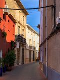 Traditionele mediterrane straat in Ondara stock fotografie