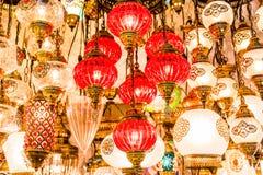 Traditionele met de hand gemaakte decoratieve mozaïek Turkse lampen voor verkoop stock foto