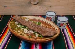 Traditionele Mexicaanse huarache in kleischotel Royalty-vrije Stock Afbeeldingen
