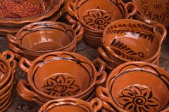 Traditionele Mexicaanse kleipotten stock afbeelding