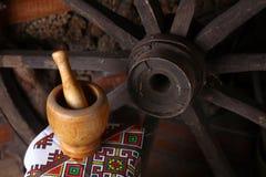 Traditionele mortier en stamper Royalty-vrije Stock Afbeeldingen