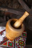 Traditionele mortier en stamper Royalty-vrije Stock Foto's