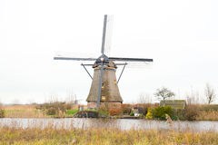 Traditionele Nederlandse windmolen Stock Afbeelding