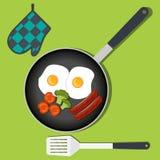 Traditionele Ontbijtroereieren met groenten en worst op pan Vectorillustratie in vlakke stijl royalty-vrije illustratie
