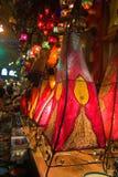 Traditionele oosterse huidlampen in Istanboel Grote Bazar Stock Afbeeldingen