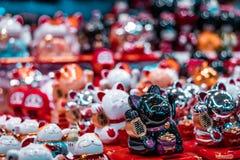 Traditionele oosterse miniatuurfortuinkatten royalty-vrije stock afbeeldingen