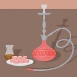 Traditionele oosterse waterpijp met Turkse thee en verrukkingen De de nargile winkel of shishe zitkamer van het oosten vector illustratie