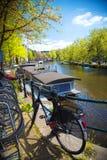 Traditionele oude gebouwen in Amsterdam Stock Foto