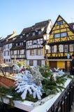 Traditionele, oude, kleurrijke huizen in Colmar tijdens de winter, de Elzas, Frankrijk royalty-vrije stock afbeelding
