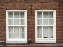 Traditionele oude vensters Royalty-vrije Stock Afbeeldingen