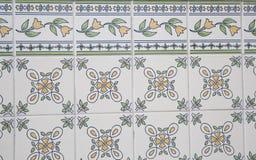 Traditionele overladen Portugese decoratieve tegels royalty-vrije stock fotografie