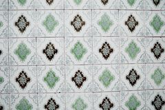 Traditionele overladen Portugese decoratieve tegels stock foto
