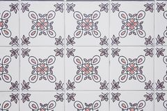 Traditionele overladen Portugese decoratieve tegels stock foto's