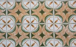 Traditionele overladen Portugese decoratieve tegels stock fotografie