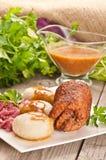 Traditionele Poolse, Silezische schotel Vleesrollade met aardappelstortplaats Royalty-vrije Stock Afbeeldingen