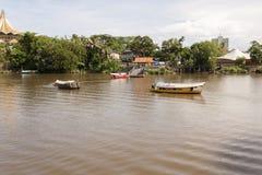 Traditionele rivierboot Kuching, Sarawak Stock Afbeelding