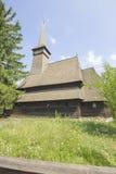 Traditionele Roemeense houten kerk royalty-vrije stock afbeeldingen