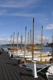 Traditionele sloepen in jachthaven Karlskrona Stock Fotografie