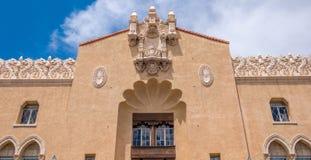 Traditionele Spaanse stijlarchitectuur in Santa Fe New Mexico stock foto