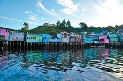 Traditionele stelthuizen in Castro Stock Foto's