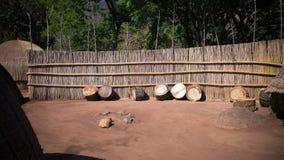 Traditionele swatitrommel bij het dorp dichtbij Manzini, Mbabane in Eswatini, vroeger Swasiland royalty-vrije stock fotografie