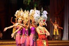Traditionele Thais toont in een Tuin Nongnooch in Pattaya, Thailand Stock Fotografie