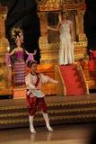 Traditionele Thais toont in Nongnooch-Tuin in Pattaya, Thailand Royalty-vrije Stock Afbeeldingen