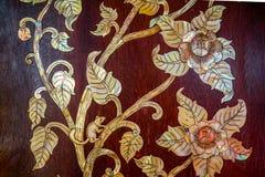 Traditionele Thaise kunst op de deur van kerk Royalty-vrije Stock Fotografie
