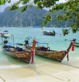 Traditionele Thaise lange staartboot Stock Afbeeldingen