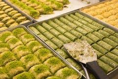 Traditionele Turkse diverse desserts; Heerlijk dessert Baklava stock afbeelding