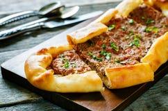 Traditionele Turkse gebakjes met vlees Royalty-vrije Stock Fotografie