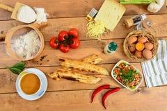 Traditionele Turkse pizza cuisine stock fotografie