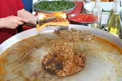 Traditionele Turkse pizza cuisine stock afbeeldingen